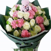 white roses+pink carnations