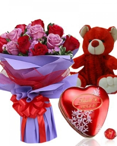 12 Red*pink roses with Lindor heart +small teddy